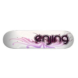 Enjing Board: Pink for the Ladies Skateboard