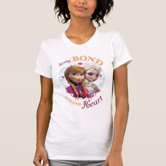 Enlace fuerte corazón fuerte camisetas