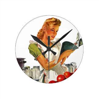 Enlatado casero de la cocina retra en vintage del  reloj redondo mediano