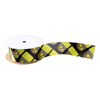 Ennegrezca del fondo negro amarillo de 3 la cinta lazo de raso
