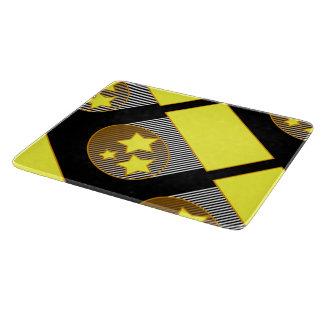Ennegrezca el fondo negro de 3 estrellas amarillas tabla para cortar