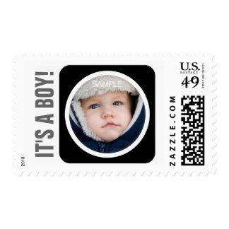 Ennegrezca sus sellos nuevos del bebé del muchacho