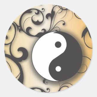 Ennegrézcase con Yin de bronce y Yang con las Pegatina Redonda