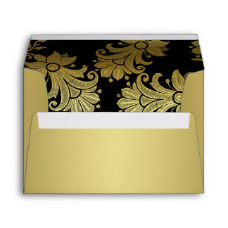 Ennegrézcase, el sobre floral A7 del oro para las