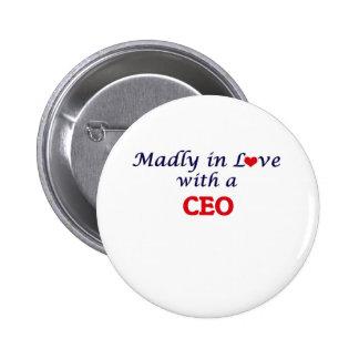 Enojado en amor con un CEO Pin Redondo De 2 Pulgadas