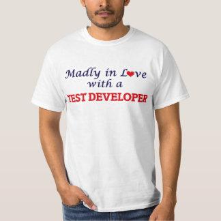 Enojado en amor con un desarrollador de la prueba remeras