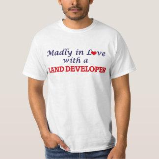 Enojado en amor con un desarrollador de la tierra playera