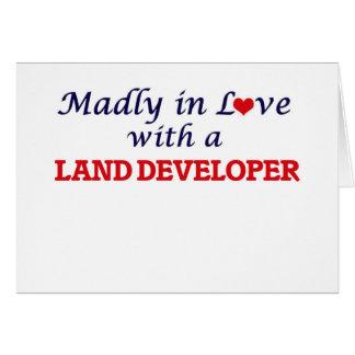 Enojado en amor con un desarrollador de la tierra tarjeta de felicitación