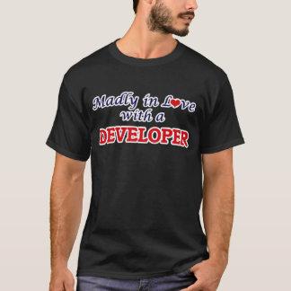 Enojado en amor con un desarrollador playera