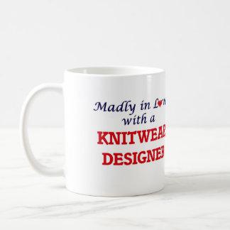 Enojado en amor con un diseñador de los géneros de taza de café