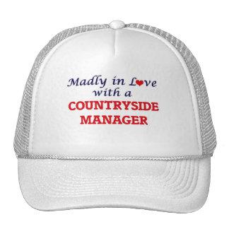 Enojado en amor con un encargado del campo gorras