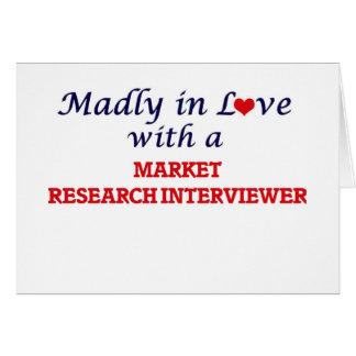 Enojado en amor con un entrevistador del estudio tarjeta de felicitación
