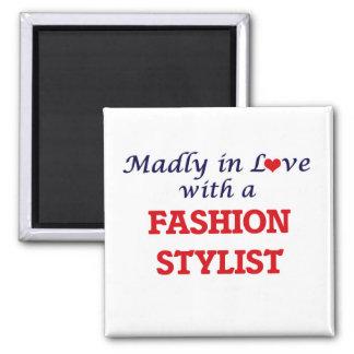 Enojado en amor con un estilista de la moda imán cuadrado