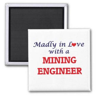 Enojado en amor con un ingeniero de minas imán cuadrado