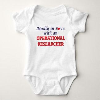 Enojado en amor con un investigador operativo body para bebé