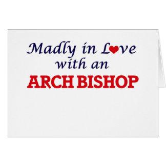 Enojado en amor con un obispo del arco tarjeta de felicitación