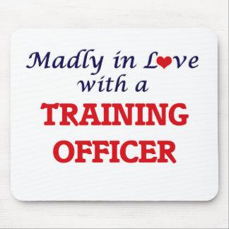 Enojado en amor con un oficial del entrenamiento alfombrilla de ratones