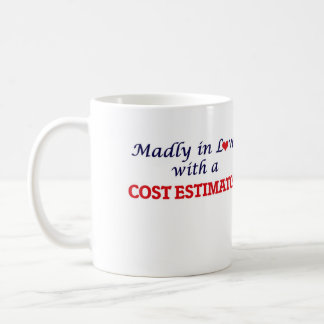 Enojado en amor con un perito del coste taza de café