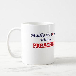Enojado en amor con un predicador taza de café