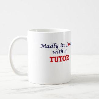 Enojado en amor con un profesor particular taza de café