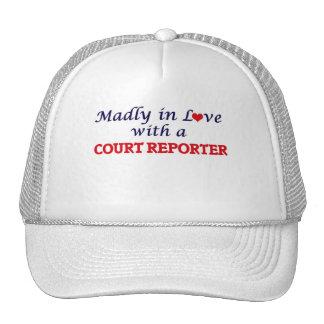 Enojado en amor con un reportero de corte gorros