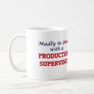 Enojado en amor con un supervisor de la producción taza de café