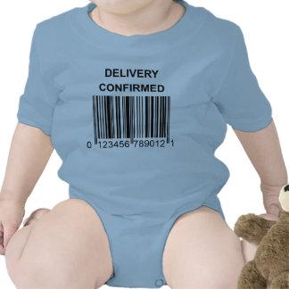 Enredadera confirmada entrega traje de bebé