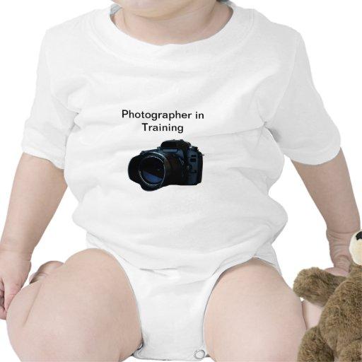 Enredadera del niño del fotógrafo de la cámara camisetas