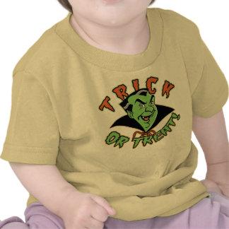 Enredadera del niño del vampiro del dibujo animado camisetas