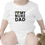 Enredadera del papá del arma nuclear camiseta