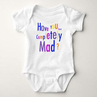 Enredadera infantil totalmente enojada camisas