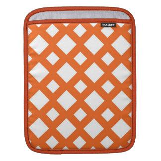 Enrejado anaranjado en blanco mangas de iPad
