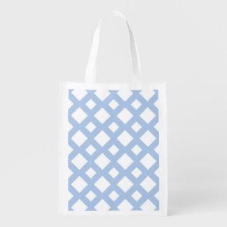 Enrejado azul claro en blanco bolsa de la compra