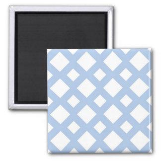 Enrejado azul claro en blanco imán cuadrado