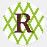 Enrejado con monograma moderno en verde lima etiqueta redonda