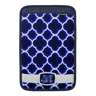 Enrejado marroquí embellecido (azul marino) (monog fundas macbook air