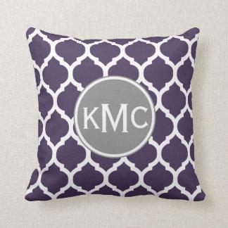 Enrejado púrpura del marroquí del blanco gris almohada