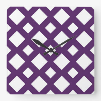 Enrejado púrpura en blanco reloj cuadrado