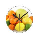 Ensalada de fruta relojes de pared
