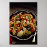 Ensalada de la verdura y de pollo poster