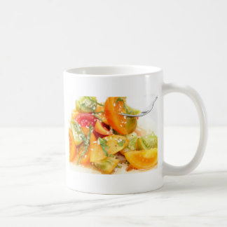 Ensalada del tomate taza de café
