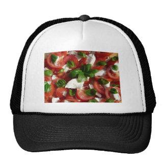 Ensalada del tomate y de la mozzarella gorras de camionero