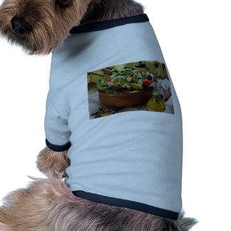 Ensalada vegetal mezclada camisa de perrito
