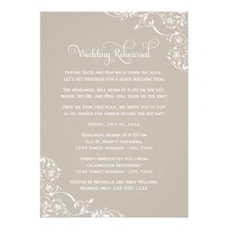 Ensayo del boda y neutral de las invitaciones el