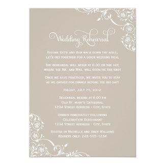Ensayo del boda y neutral de las invitaciones el | anuncios personalizados