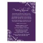 Ensayo del boda y púrpura de las invitaciones el |