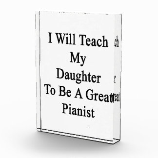 Enseñaré a mi hija a ser gran pianista
