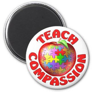 Enseñe a la compasión imán redondo 5 cm