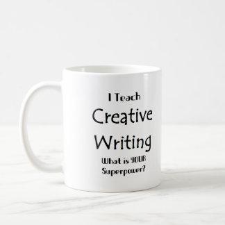 Enseñe a la escritura creativa taza básica blanca