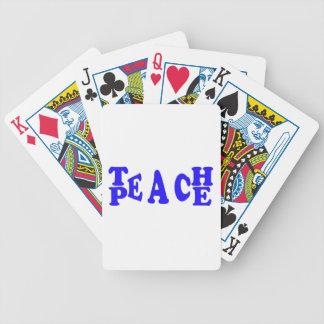 Enseñe a la paz en naipes azules de la fuente barajas de cartas